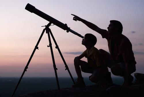 Наблюдение в телескоп за звездным небом